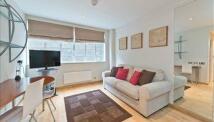 Studio flat in Roland House...
