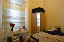 Studio apartment in Hogarth Road...