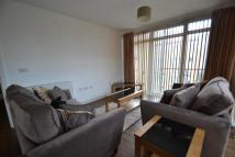Flat to rent in Southcott Road...