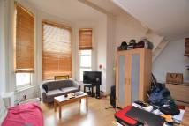 Flat to rent in Hogarth Road...
