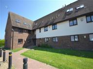 Flat to rent in Abbotsleigh Rd...