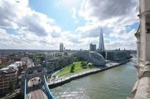 Flat for sale in Tower Bridge, London
