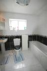 1 bedroom Flat to rent in Roding Lane South...