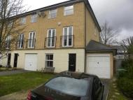 4 bed semi detached house in Chestnut Place...