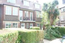 3 bedroom Flat in Beeches Road, London SW17