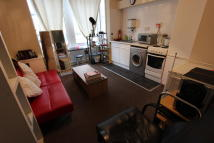 Flat to rent in Livingstone Road