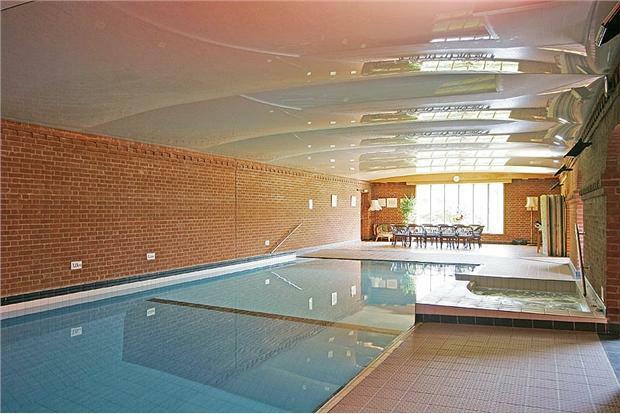 Lodge.Pool2