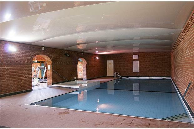 Lodge.Pool1