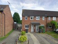 2 bedroom End of Terrace house to rent in Armscroft Court...