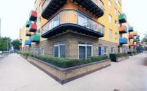 2 bedroom Ground Flat in GREENROOF WAY, London...