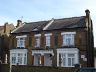 Hanworth Road Studio flat to rent