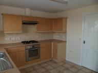 Town House to rent in Sark Gardens, Blackburn...