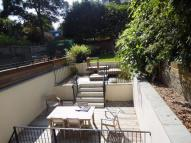 3 bedroom Flat in Priory Road...