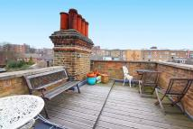 2 bedroom Flat in Goldhurst Terrace...