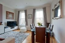 Flat to rent in Greencroft Gardens...