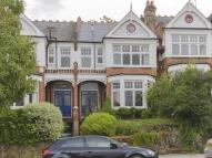 5 bed Terraced property in Dukes Avenue...