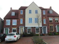 Town House to rent in Long Row Drive, Lawley