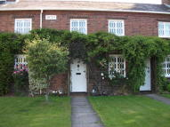 2 bedroom Cottage to rent in Priorslee Village...