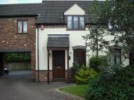 3 bedroom Mews to rent in Kew Gardens, Priorslee