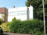 Flat to rent in Woodley Road...