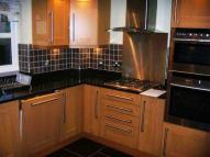 Flat to rent in Meadway, New Barnet...