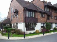 Flat to rent in Blackthorn Court...