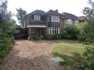 3 bed Detached house in East Molesey, Esher...