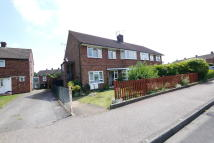 Maisonette to rent in Hollycroft, Hertford...