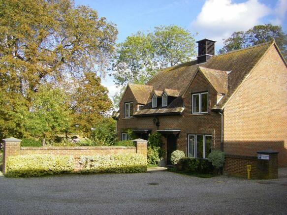 6 Hildesley Court