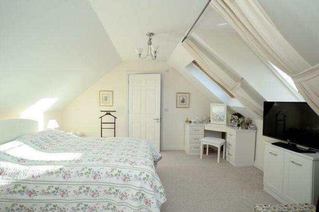 Bedroom, showi...