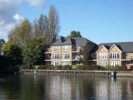 2 bed Flat in Swan Walk, Shepperton...