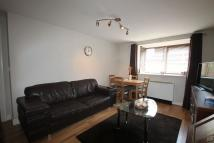 Apartment to rent in Warwick Close...