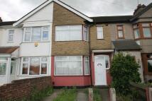 3 bed house to rent in Wentworth Way, Rainham...