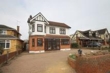 4 bed house in Parkstone Avenue...