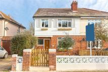 4 bedroom property to rent in Lake Rise, Romford, RM1