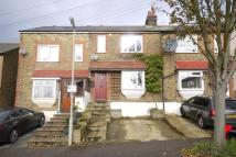 2 bed property to rent in Kings Chase, Brentwood...