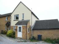 2 bedroom semi detached property to rent in Orchard Mead...