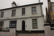 1 bed Studio flat to rent in 273 Monument Road...