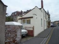 Ground Flat to rent in Sandhurst Road...