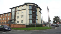 Apartment to rent in Ridgeway Lane, Bristol...