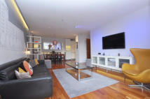 3 bed Apartment for sale in Gainsborough Studios...