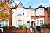house to rent in Effingham Road...