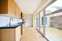 Flat to rent in West Green Road...