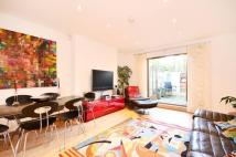 Flat to rent in Tollington Place...