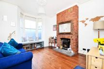 Flat to rent in Ashbrook Road, Archway...