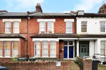 Maisonette to rent in Addington Road...