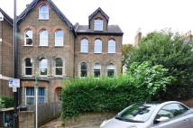 Flat to rent in Blythwood Road...