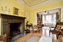 6 bedroom house in Oakfield Road...