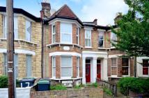 Studio flat in Courcy Road, Crouch End...