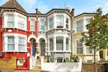 Flat to rent in Pemberton Road...